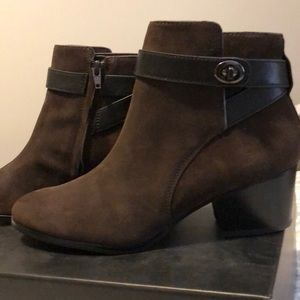 NEW Coach Patricia boots in 7.5